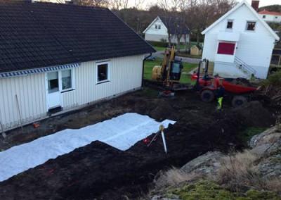 Schaktat bort jord och lagt om rör